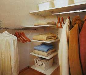 Оборудуем гардеробную комнату своими руками